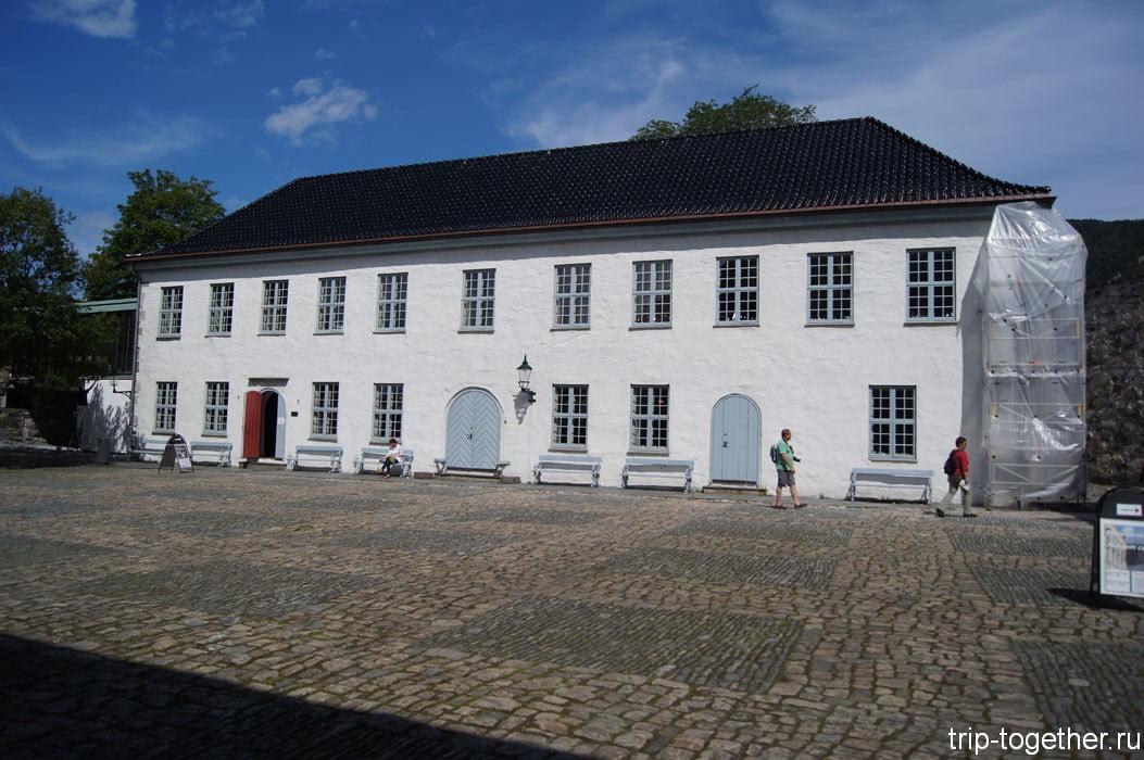 Лаконичный дом в Бергене