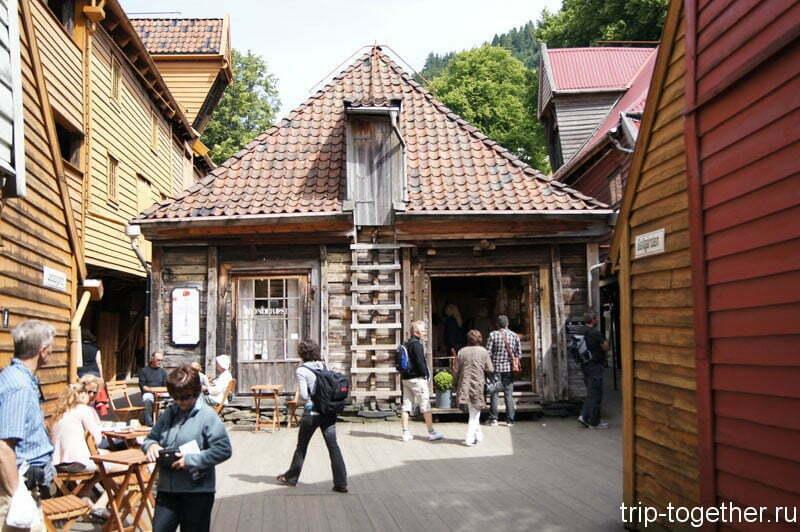 Это дома за знаменитыми фасадами, достопримечательности Бергена