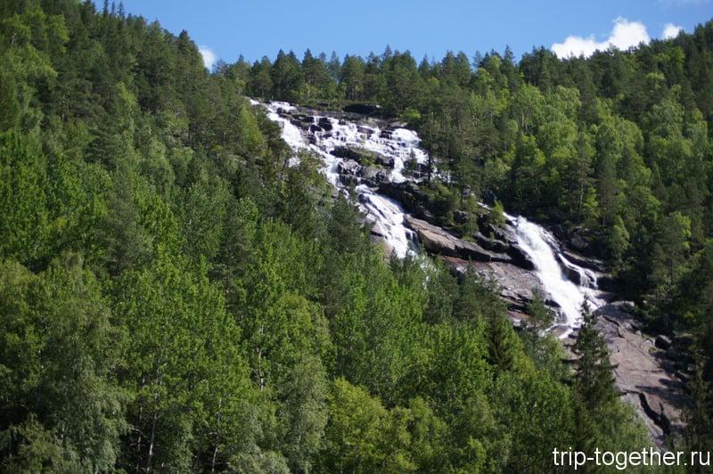 Водопад в Норвегии по дороге Осло Ставангер