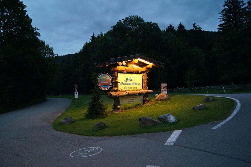 Вывеска на въезде в Bannwaldsee camping