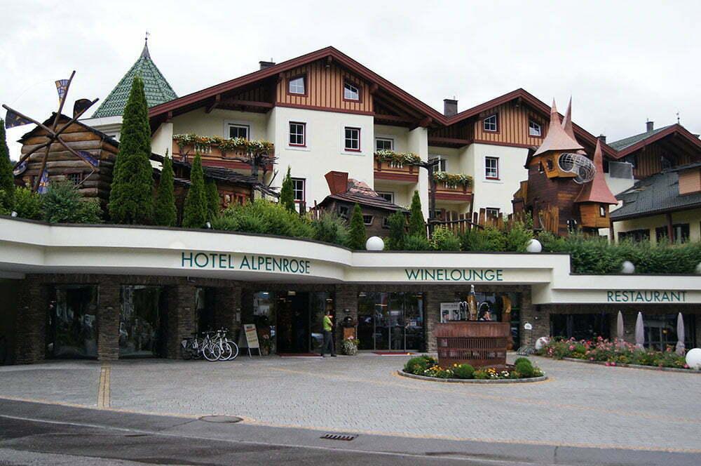 Симпатичный альпийский отель в Австрии