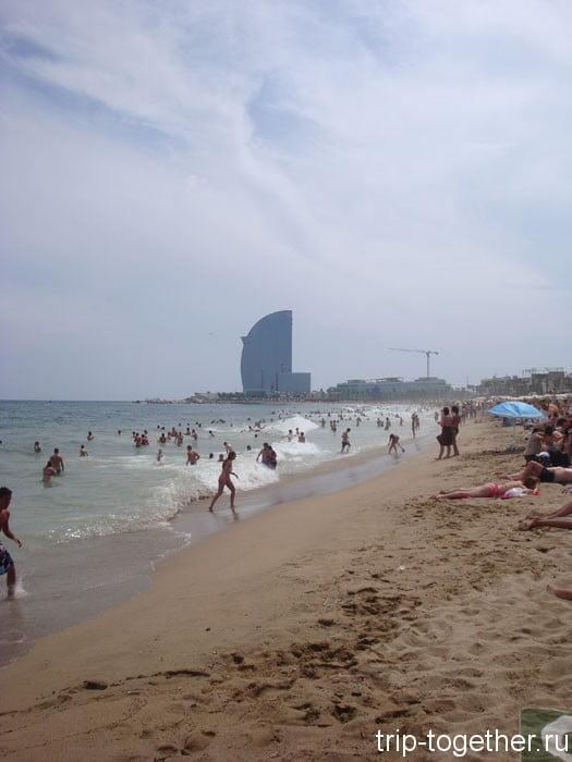 Отель W на пляже Сант Себастиа