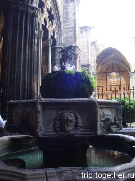 Внутренний дворик Ла Сеу