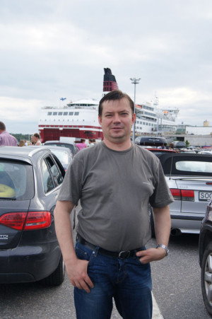Николай - наш единственный водитель