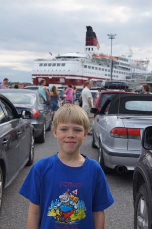 Павел - наш сын (9 лет)