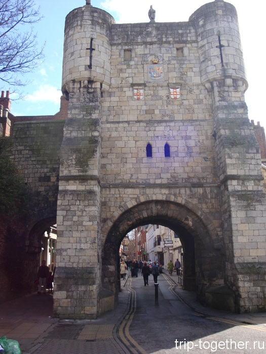 Бутамские (Bootham bar) ворота Йорка - достопримечательность Йорка