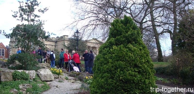 York Museum Garden - ботанические сады в центре Йорка
