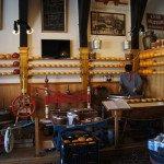 Интерьер сырного магазина-музея. Эдам.