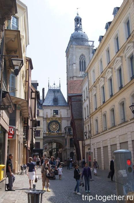 Астрономические часы на ренессансных воротах Gros-Horloge