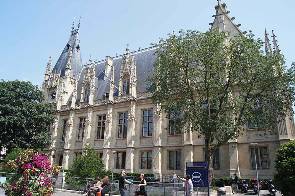 Дворец Правосудия в Руане