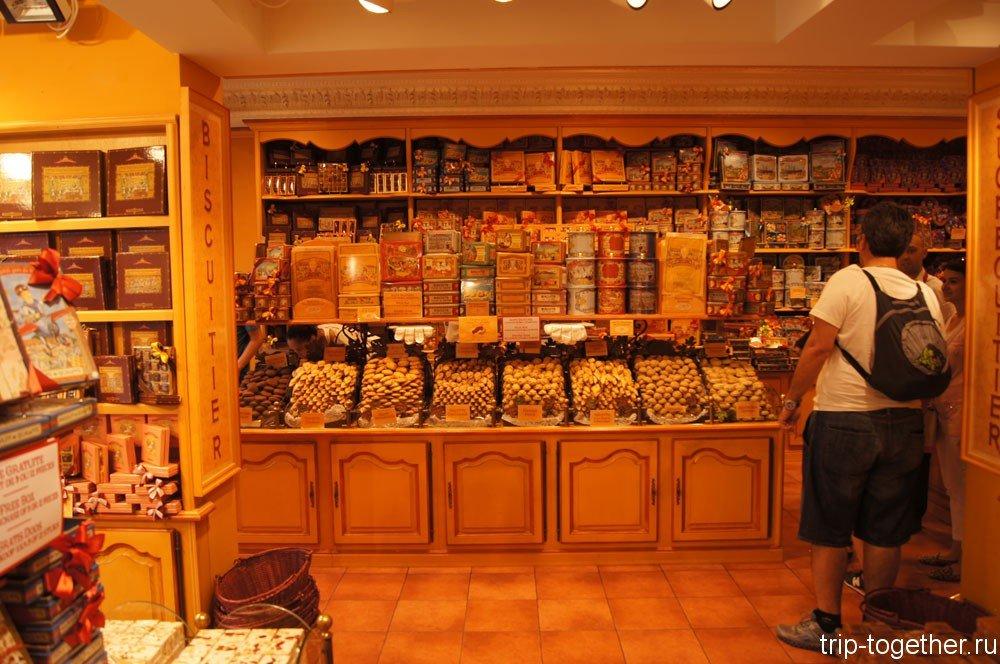 Магазин бельгийского шоколада в Брюгге