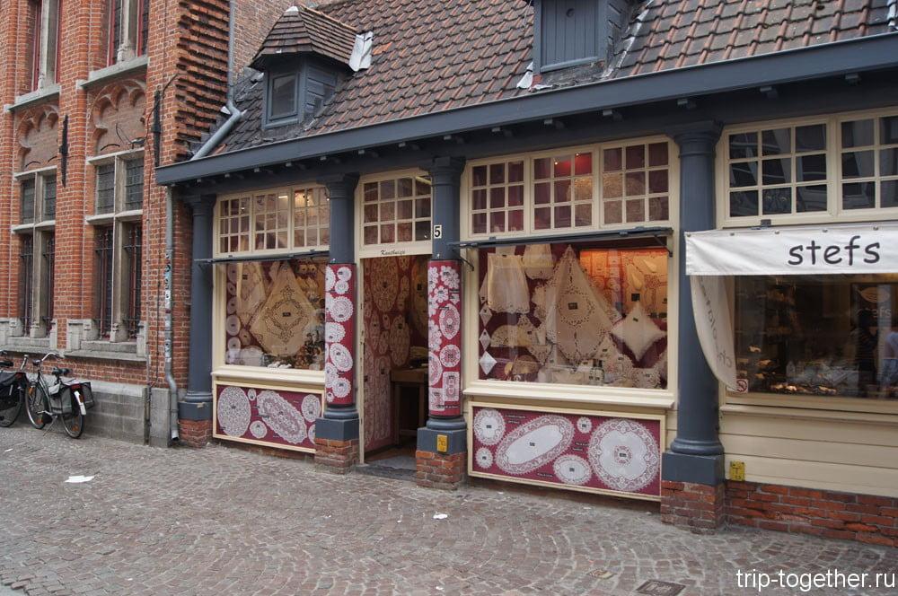 Магазин фламандских кружев в Брюгге