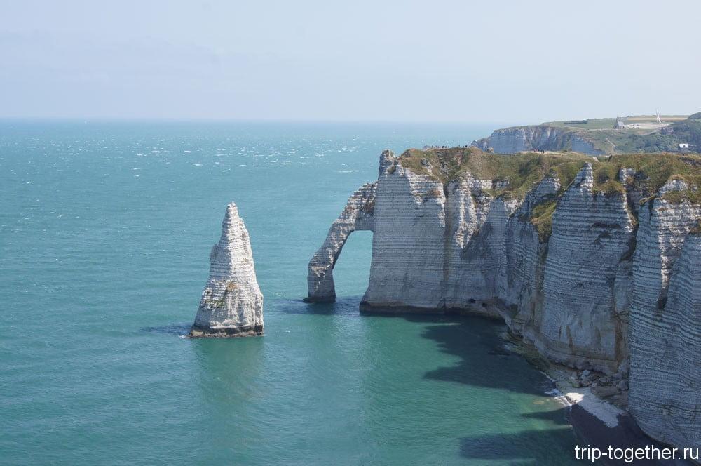 L'aiguille (Игла), которая возвышается над морем на 51 метр.