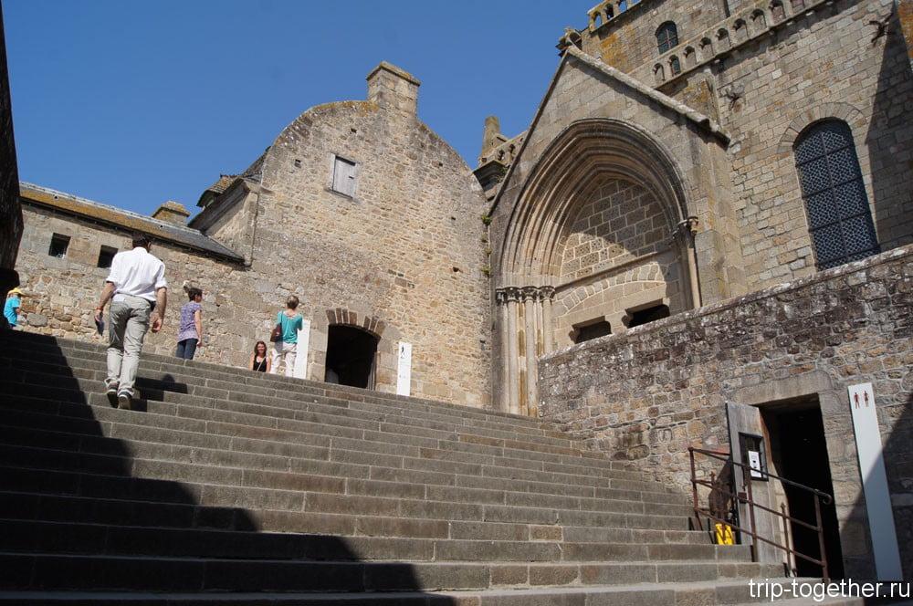Лестница ведущая в аббатство