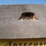 Дом под соломенной крышей во Франции