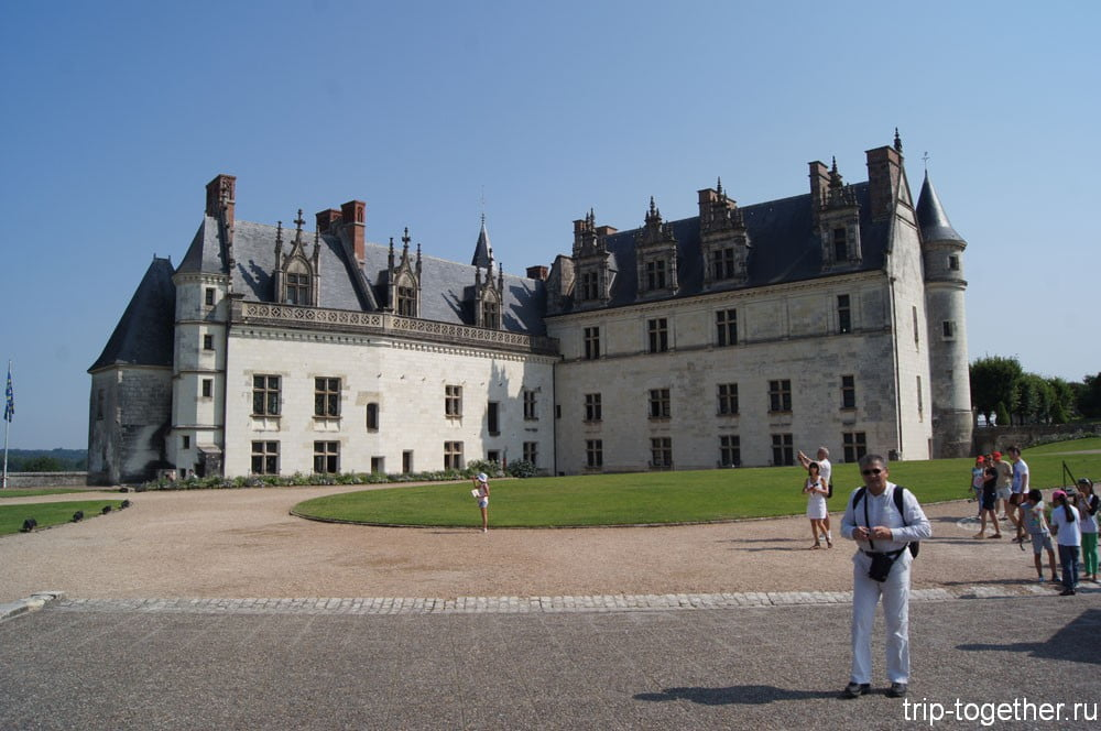 Замок Амбуаз, вид со двора