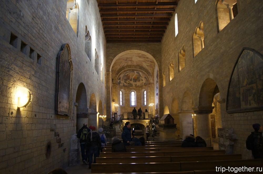 Внутреннее убранство базилики