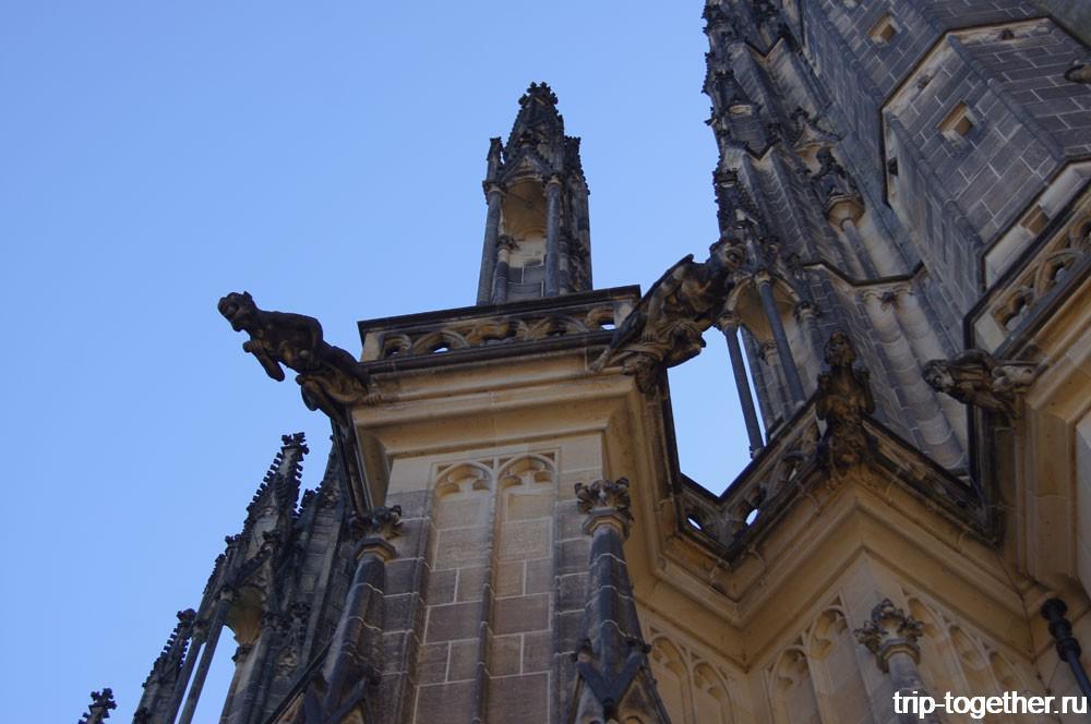 Пражский Град. Горгульи на фасаде собора Святого Вита