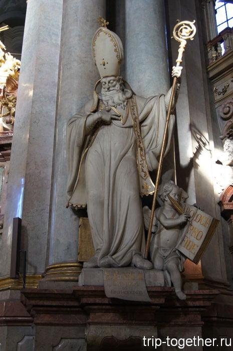 Фигура одного из отцов церкви работы Игнаца Франтишека Платцера