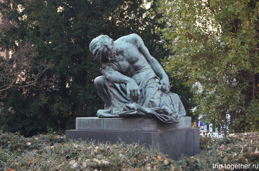 Скульптура Моисея недалеко от Староновой синагоги