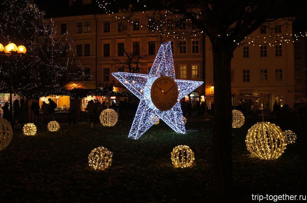 Праздничная иллюминация на Староместкой площади в Праге