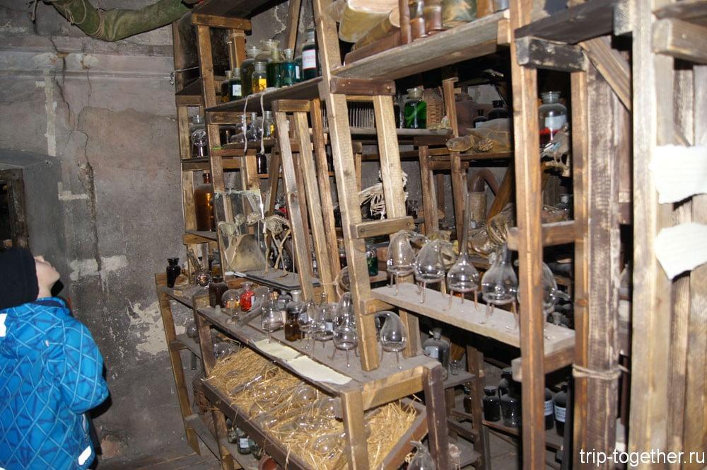 Декорации в музее алхимиков в Праге