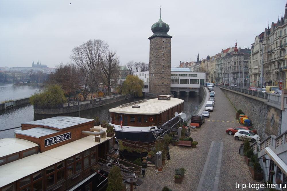 Готическая водоанапорная башня конца XV века