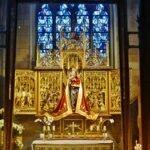 Статуя Девы Марии в базилике