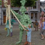 Разноцветные скульптуры на Скульптура на площади Врейтхоф. Маастрихт.