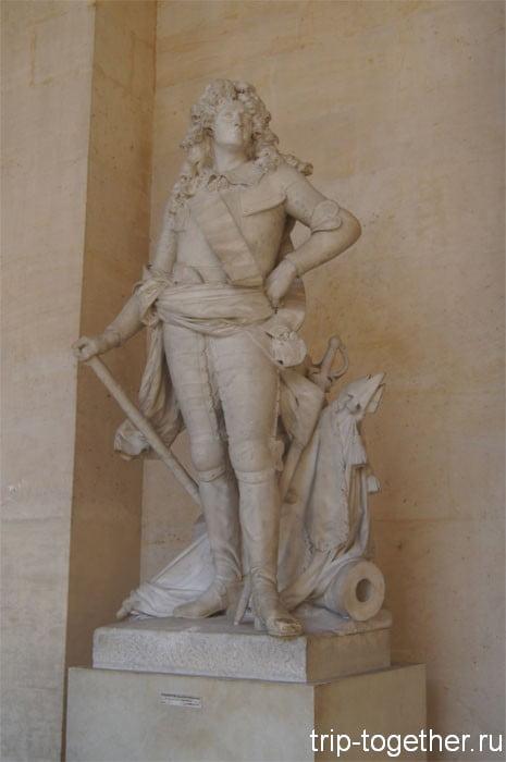Статуя Людовика XIV - короля Солнце