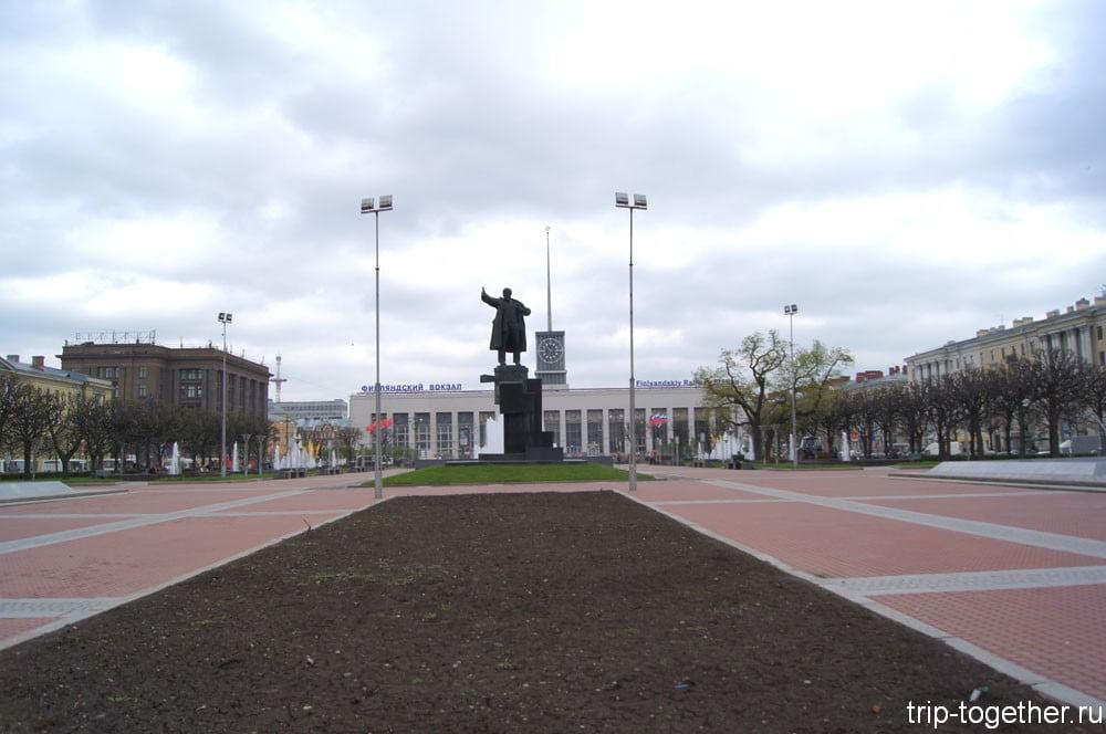 Площадь Ленина, Финляндский вокзал