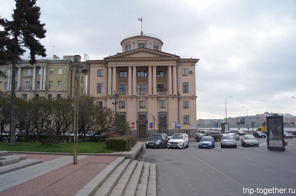 Здание администрации Калининского района