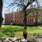 Староладожский Успенский женский монастырь - жилой дом