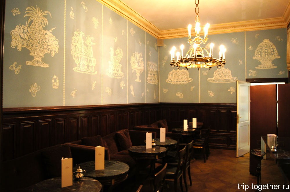 Интерьер кафе Демель