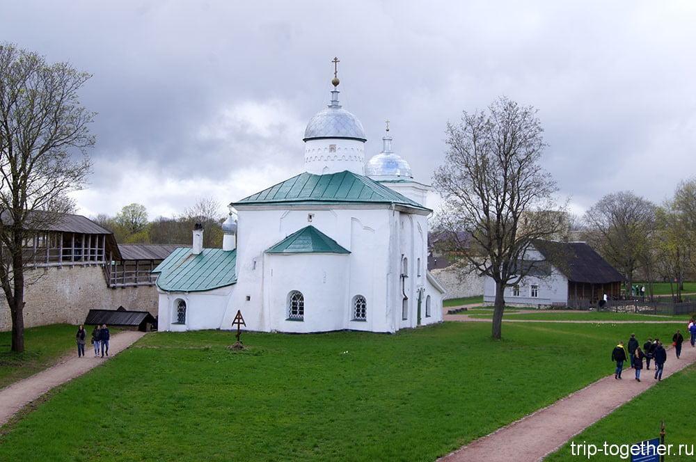 Достопримечательности Изборска - церковь