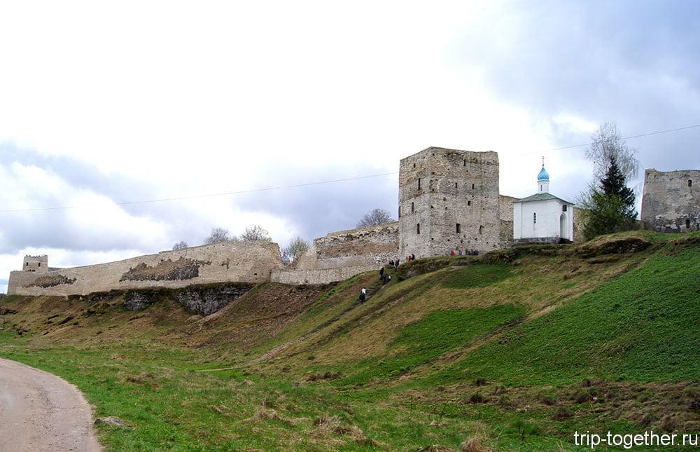 Достопримечательности Изборска - крепость, часовня