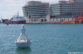 Плавающая скульптура, Барселона, Испания