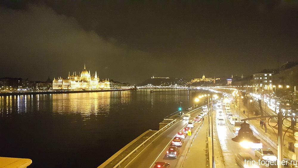 Дунай в вечерней подсветке