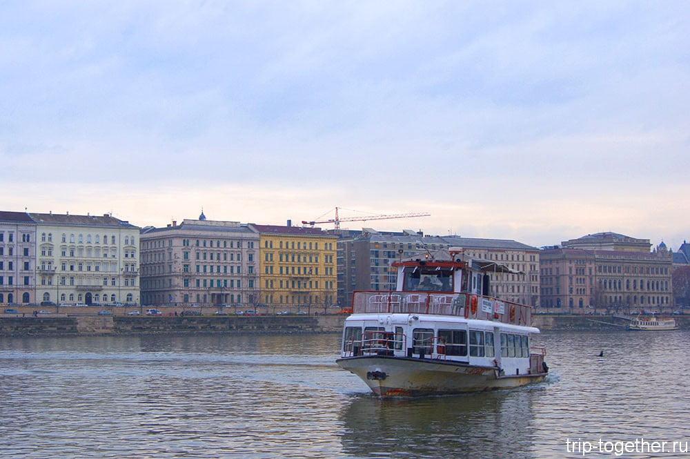 Речной трамвайчик в Будапеште