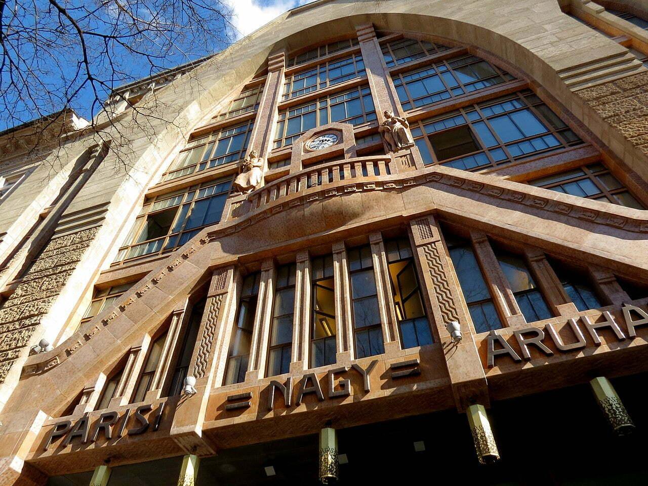 Парижский универмаг, Будапешт
