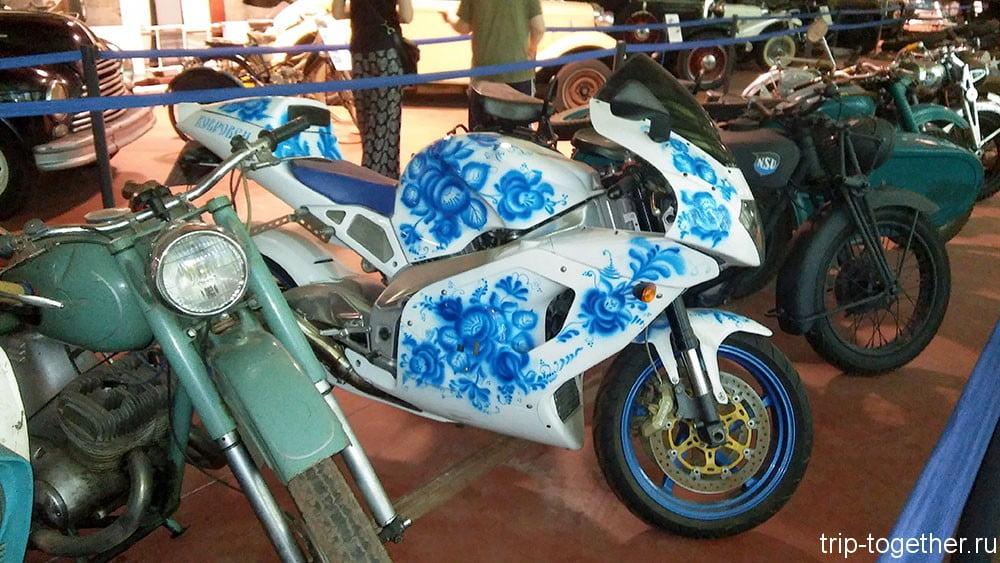 Высоко художественный мотоцикл в Зеленогорске