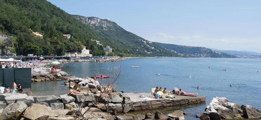 Пляж в Триесте. Италия.