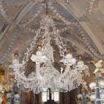 Люстра из человеческих костей в Костнице
