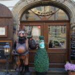 Оригинальное оформление кафе в Праге
