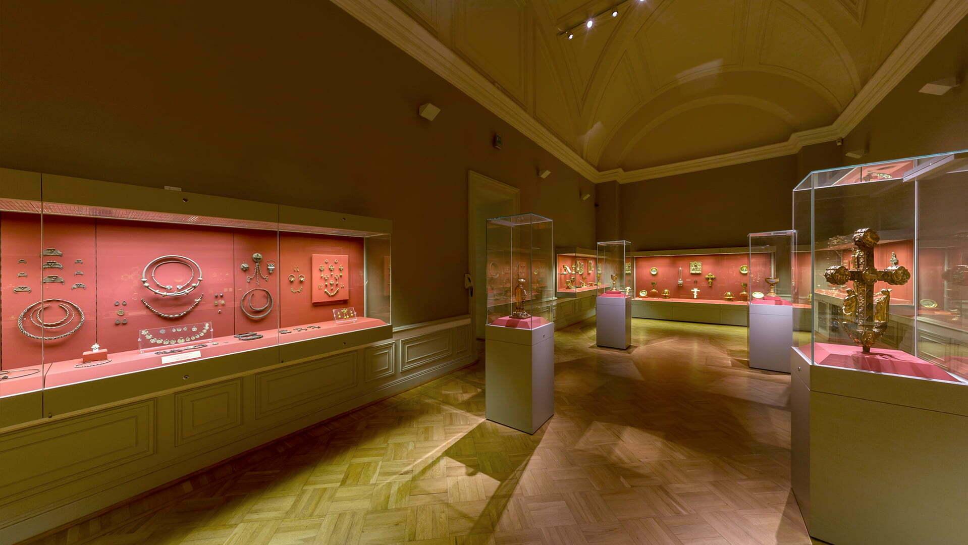Общий вид залов Бриллиантовй кладовой Эрмитажа