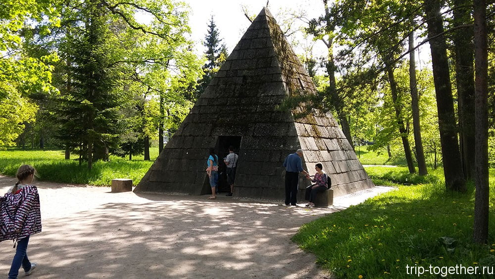 Пирамида, архитектор Ч. Камерон, 1782-1783 годы