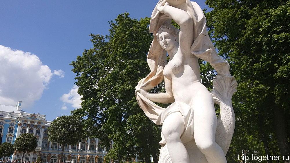 Скульптура в Екатерининском парке