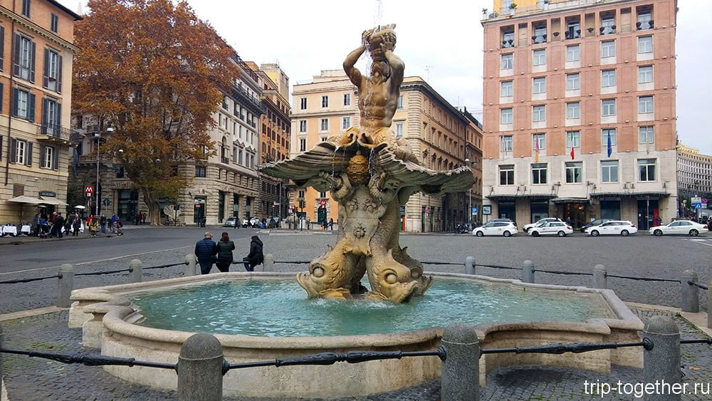 Фонтан Тритона на площади Барберини