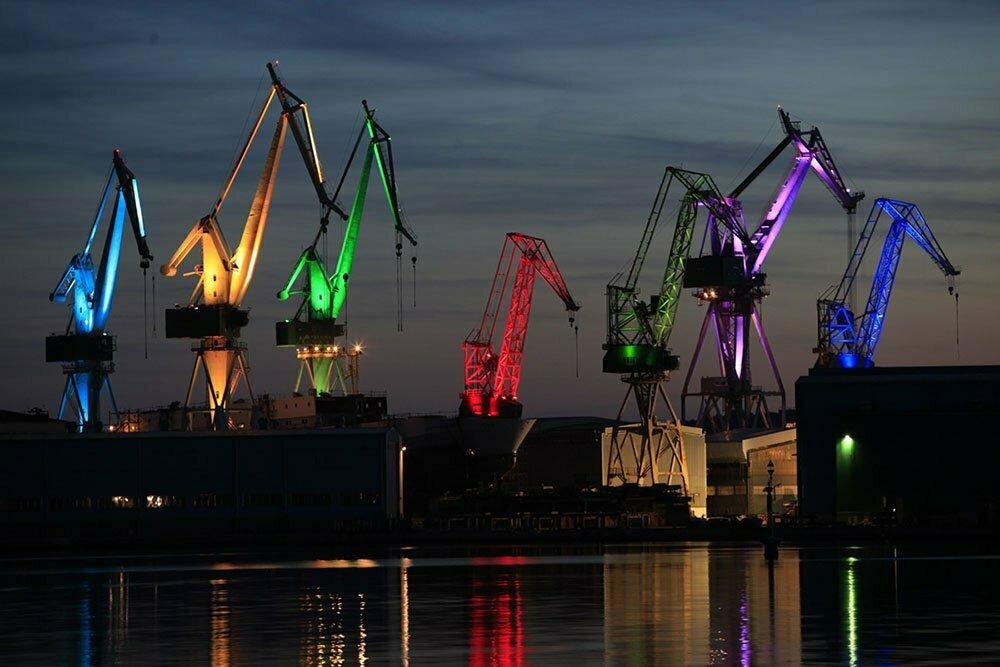 Световое шоу в порту Пулы