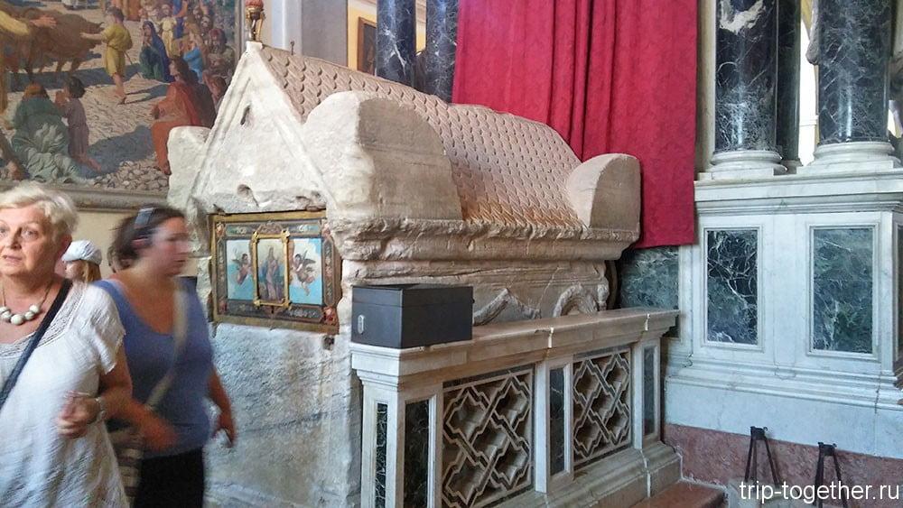 Ровинь. Саркофаг святой Ефимии.